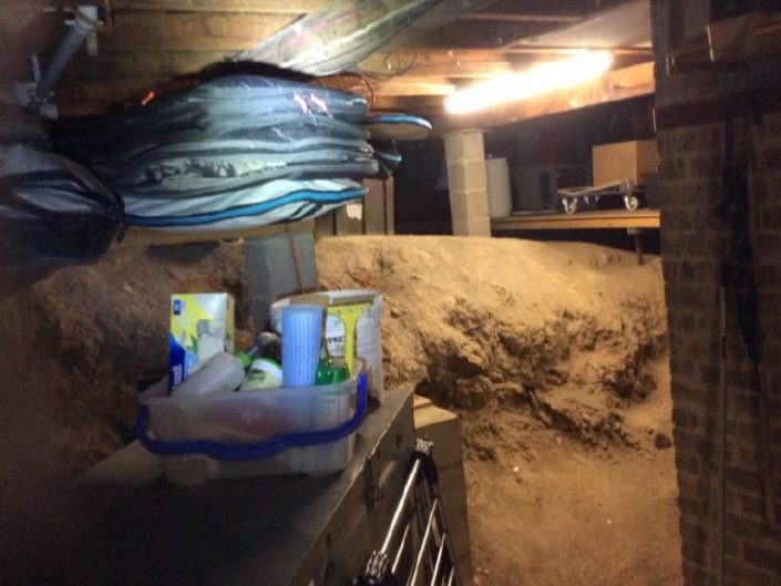 Stored goods restricts inspection to subfloor